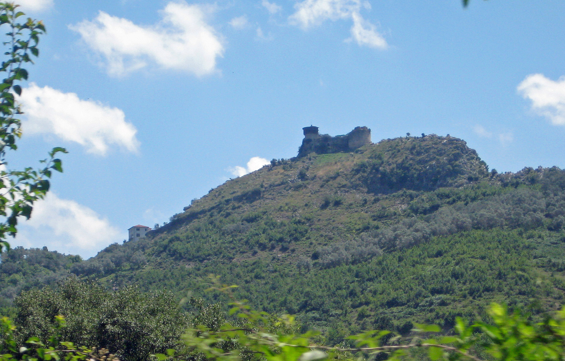 Petrela Burg