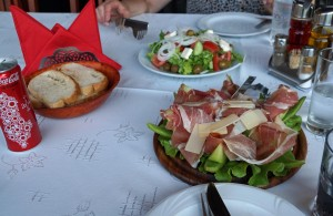 Italienische und albanische Küche