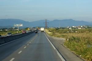 Autobahn zwischen Durrës und Tirana