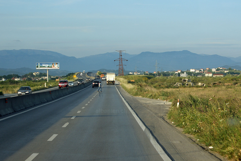 Autobahn Durrës-Tirana