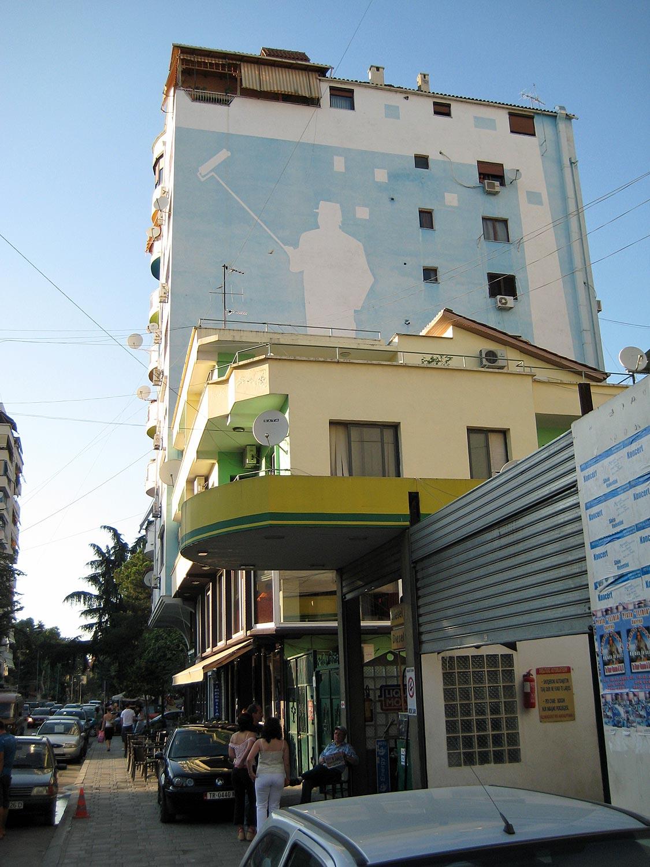 Farbige Häuser in Tirana