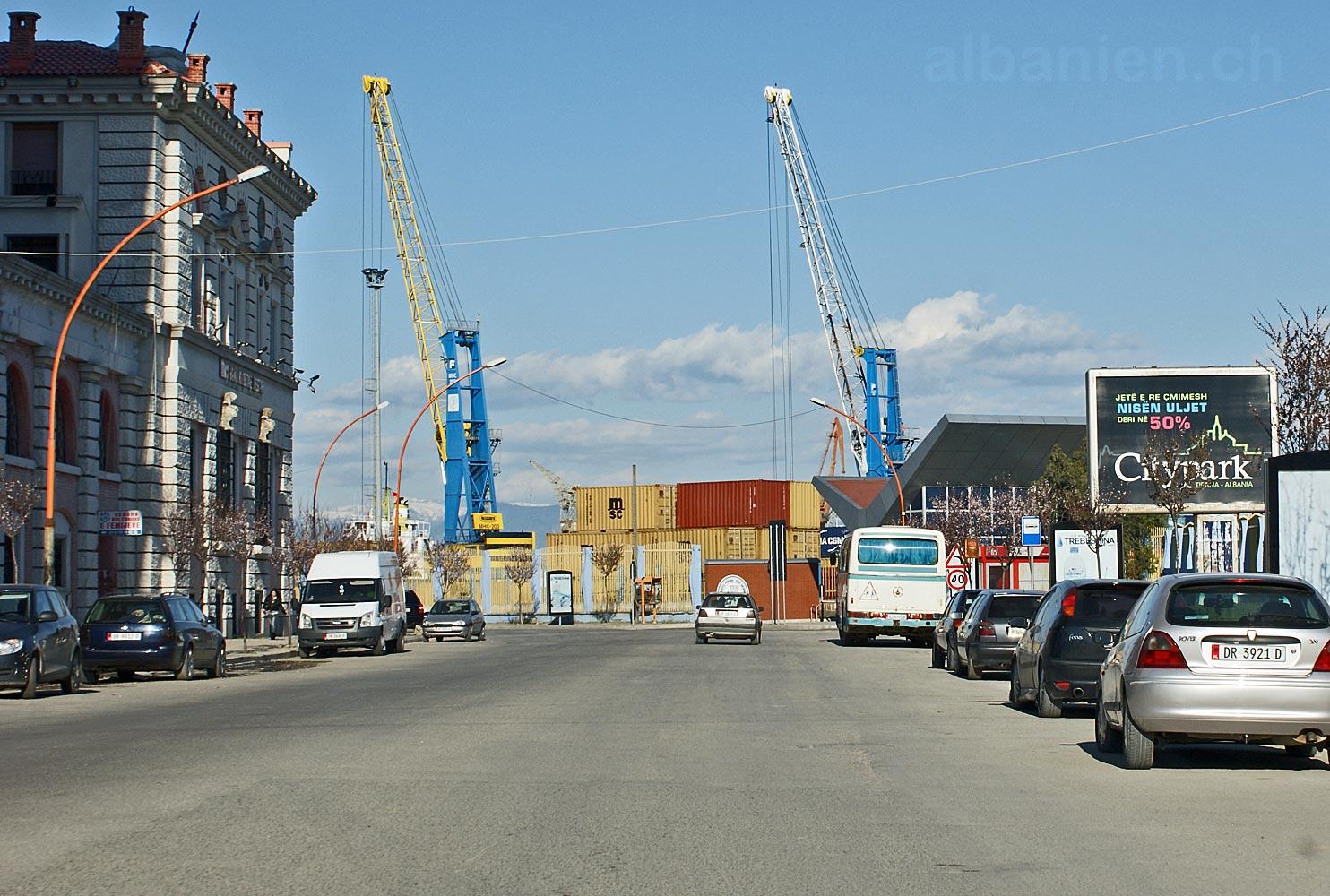 Durrës Hafenkran