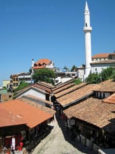 Basar-Strasse und -Moschee