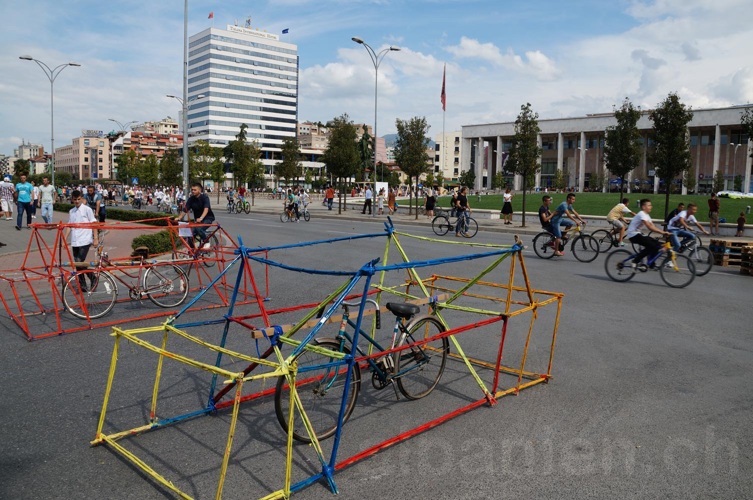 Tirana pa makina