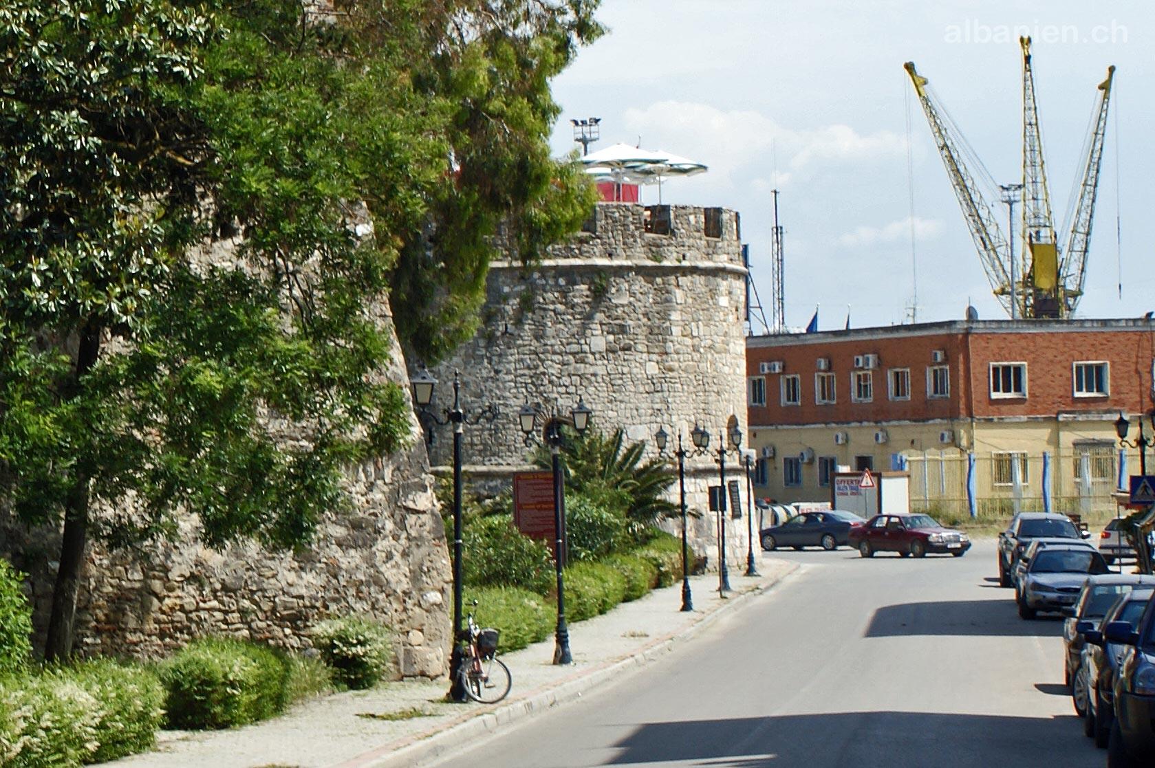 Durrës Turm & Hafen