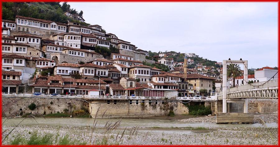 Berat – Stadt der Tausend Fenster