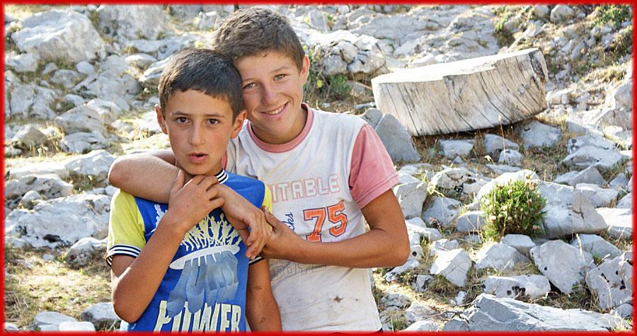 Albanische Jungs